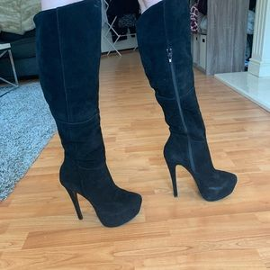 Platform black boots